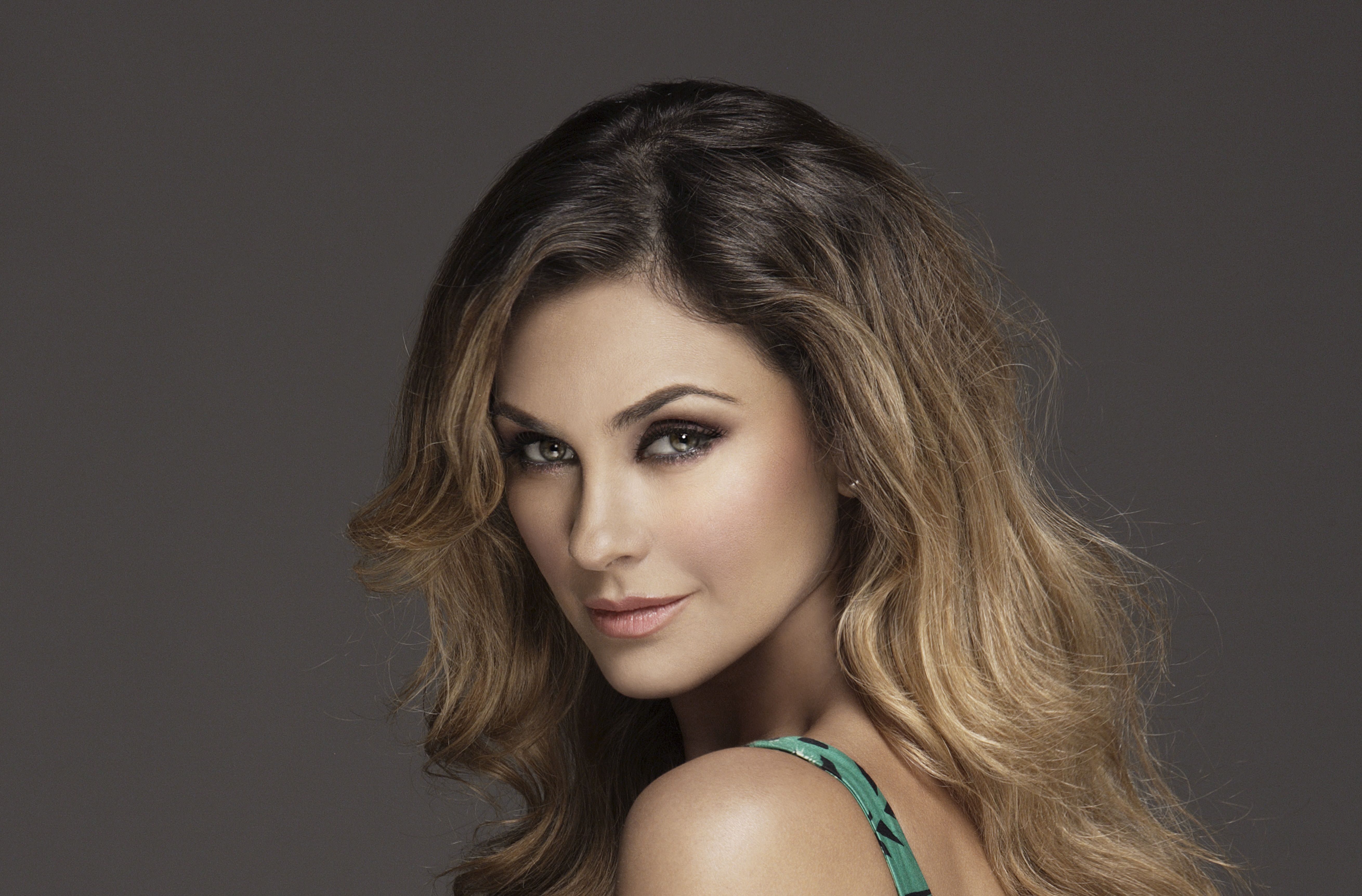 aracely arambula hot   windows mode