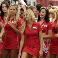 Canadian-Girls-Budweiser-