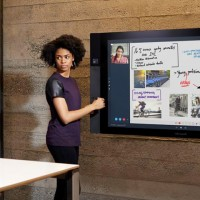 Surface-Hub-With-Windows-10