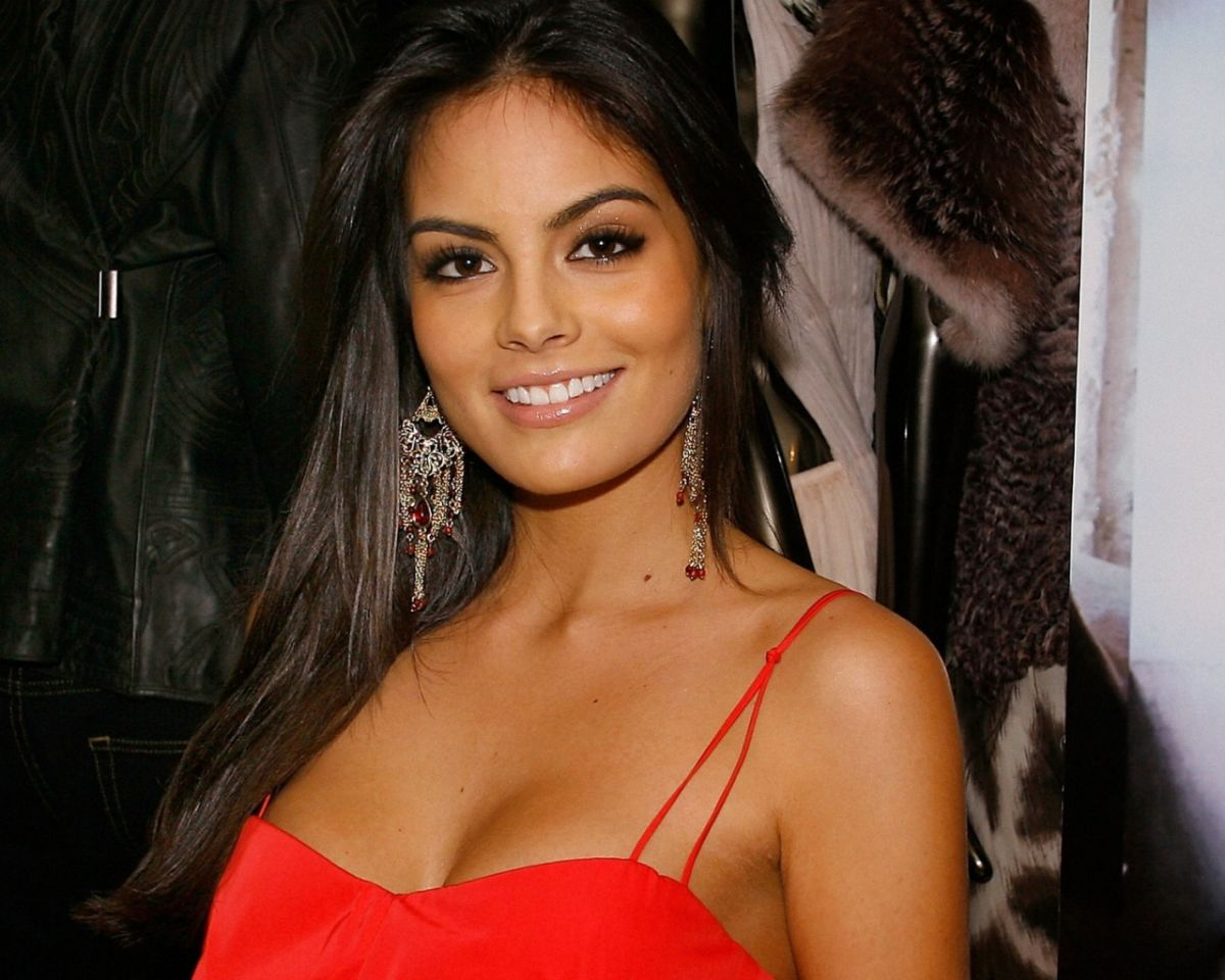 Las mezclas amerindias y europeas Ximena-Navarrete-Hot-Wallpaper