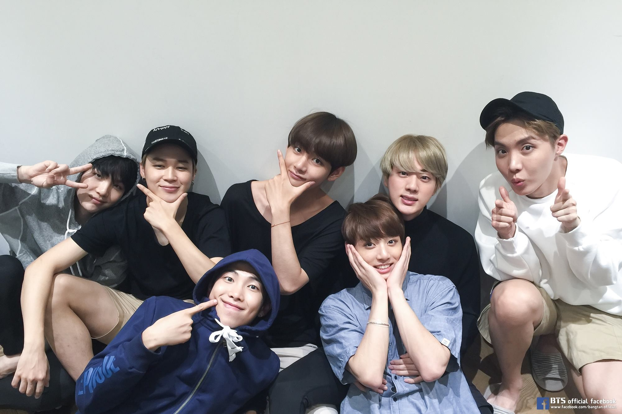 Bts Smiling Wallpaper Windows Mode