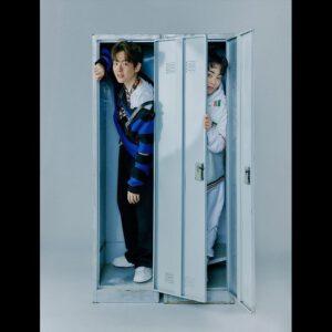 Baekhyun with Xiumin lockers